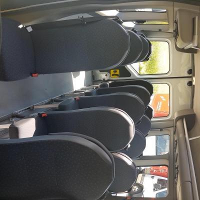 Bus 17 places